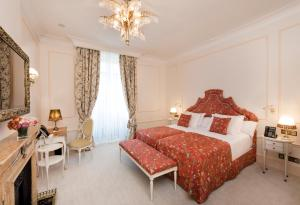Double Deluxe room with Roman Bath