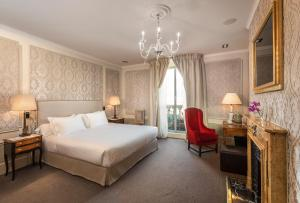 Deluxe Double Room (1-2 Adults)