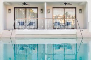 Eden Junior Suite Swim Up
