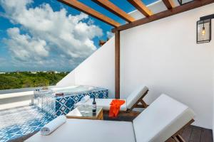 Eden Junior Suite with Balcony Jacuzzi