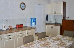 Apartment on Pospelova 12 а, Apartmány  Tashtagol - big - 11