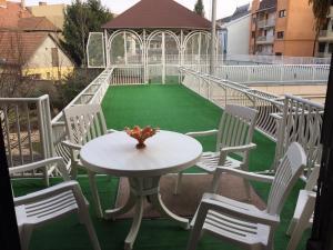 Csillag Delux Apartman, Apartments  Gyula - big - 4