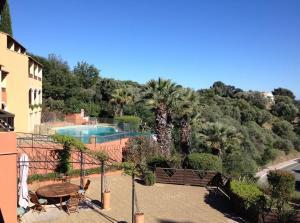 Les Terrasses Du Mirage Appart Hôtel Avec Piscine à BormeslesMimosas - Location bormes les mimosas avec piscine