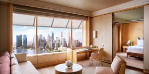 Club Deluxe Suite with a King Bed and Marina Bay view