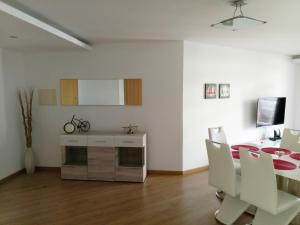 Anadia Atrium, Apartments  Funchal - big - 164