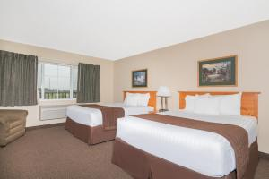 Deluxe Queen Suite with Two Queen Beds - Disability Access - Non-Smoking