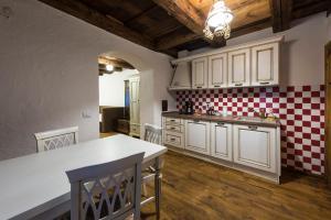 Casa Veche, Apartmánové hotely  Brašov - big - 77