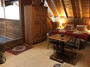 La Clé des Bois, Bed and breakfasts  Le Bourg-d'Oisans - big - 9