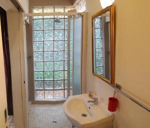 Vierbettzimmer mit Bad