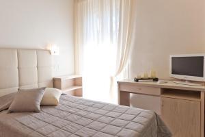 Hotel Belvedere, Отели  Морской Милан - big - 12