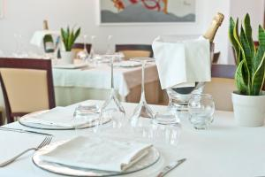 Hotel Belvedere, Отели  Морской Милан - big - 76
