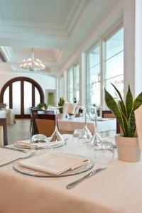 Hotel Belvedere, Отели  Морской Милан - big - 77