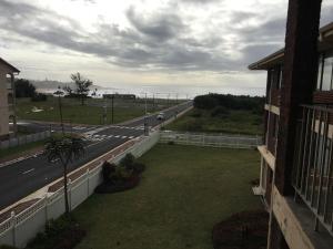 Insumi 10, Apartments  Uvongo Beach - big - 2