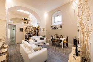 Double Loft Maestranza - AbcAlberghi.com