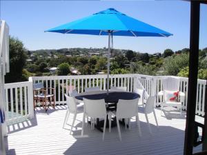 Kiwi House Waiheke, Bed & Breakfast  Oneroa - big - 35