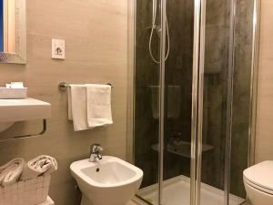 Hotel Erika, Hotely  Malcesine - big - 17