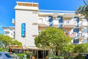 Hotel Mirabella, Отели  Риччоне - big - 40