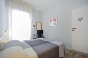 Hotel Mirabella, Отели  Риччоне - big - 11