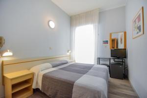 Hotel Mirabella, Отели  Риччоне - big - 28