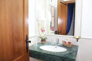 Hostal Puerta de Arcos, Hotels  Arcos de la Frontera - big - 13