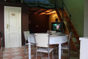 Monolocale Casa D'arte - AbcAlberghi.com