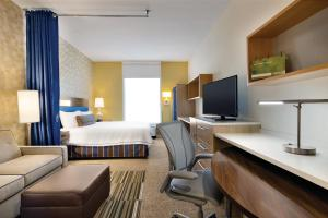 King Suite with Gulf View - Mobility Accessible/Non-Smoking