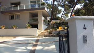 Villa Bobnell, Apartments  Cassis - big - 26