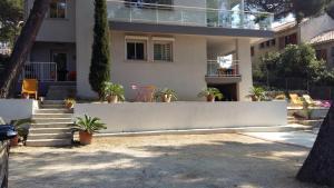 Villa Bobnell, Apartments  Cassis - big - 32