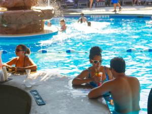 Schlitterbahn Beach Resort & Waterpark, Resorts  South Padre Island - big - 10