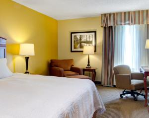 Hampton Inn Columbia Northeast - Two Notch Road, Отели  Колумбия - big - 10