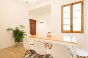Ahro Suites, Апартаменты  Малага - big - 114