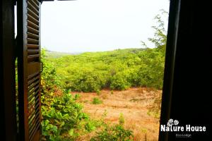 Nature House, Комплексы для отдыха с коттеджами/бунгало  Banlung - big - 31