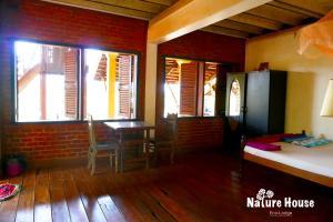 Nature House, Комплексы для отдыха с коттеджами/бунгало  Banlung - big - 13