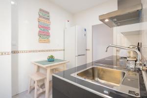 Ahro Suites, Apartmanok  Málaga - big - 107