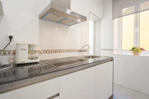 Ahro Suites, Апартаменты  Малага - big - 105