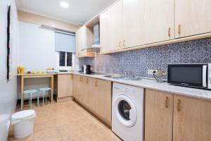 Ahro Suites, Апартаменты  Малага - big - 88