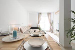 Ahro Suites, Апартаменты  Малага - big - 81