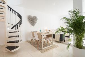Ahro Suites, Апартаменты  Малага - big - 80