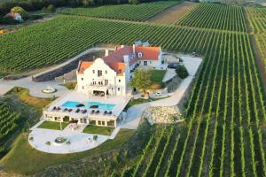 Liszkay Vineyard Estate