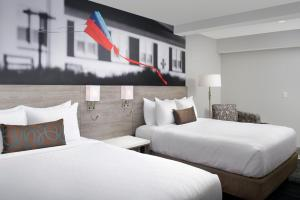 Queen Room with Two Queen Beds - City View
