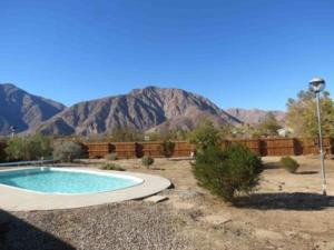 St. Vincent: Swim by the Mountains Home, Holiday homes  Borrego Springs - big - 1