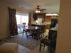 St. Vincent: Swim by the Mountains Home, Holiday homes  Borrego Springs - big - 14