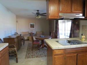St. Vincent: Swim by the Mountains Home, Holiday homes  Borrego Springs - big - 15