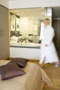 Hotel Maximilian, Hotely  Oberammergau - big - 8