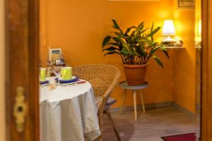 Les Chambres de Jeannette, Bed & Breakfasts  Marseille - big - 95