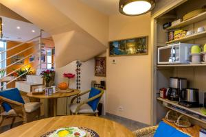 Les Chambres de Jeannette, Bed & Breakfasts  Marseille - big - 93