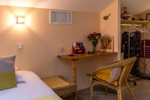 Les Chambres de Jeannette, Bed & Breakfasts  Marseille - big - 47