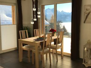 Swiss Lakeview Apartment, Apartmány  Beatenberg - big - 80
