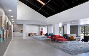 Anaheim Plaza Hotel & Suites