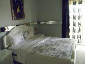 Kristály Apartman, Bed and Breakfasts  Hévíz - big - 85